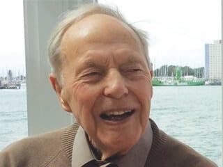 Dr. Derek R. Holmes